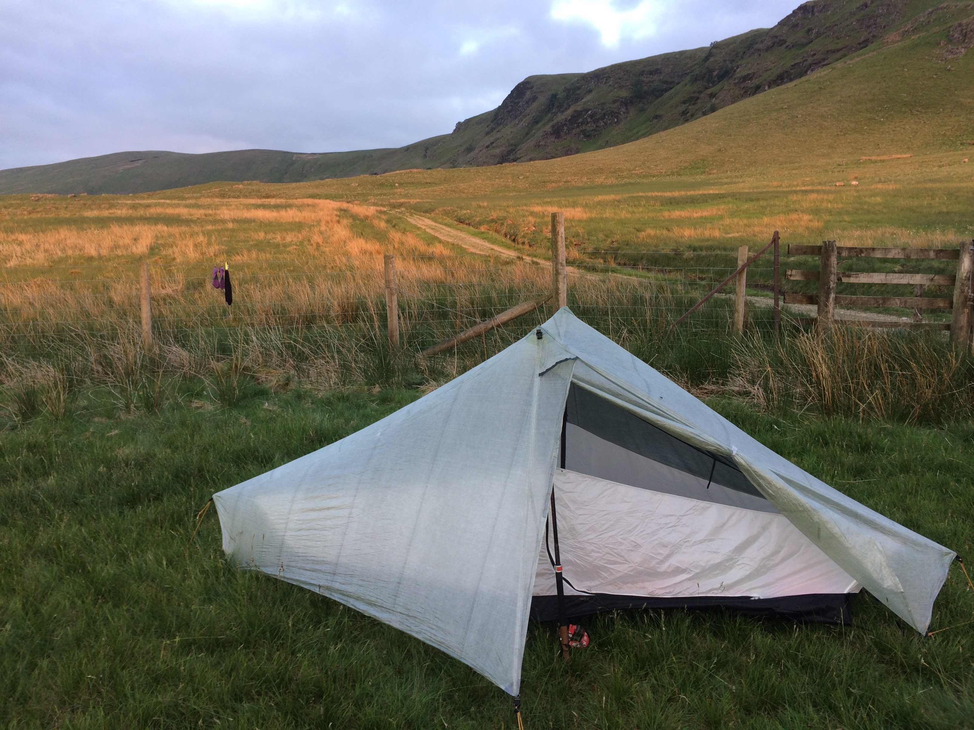 "The ""alicoop,"" a Tarptent Notch Li built for one."