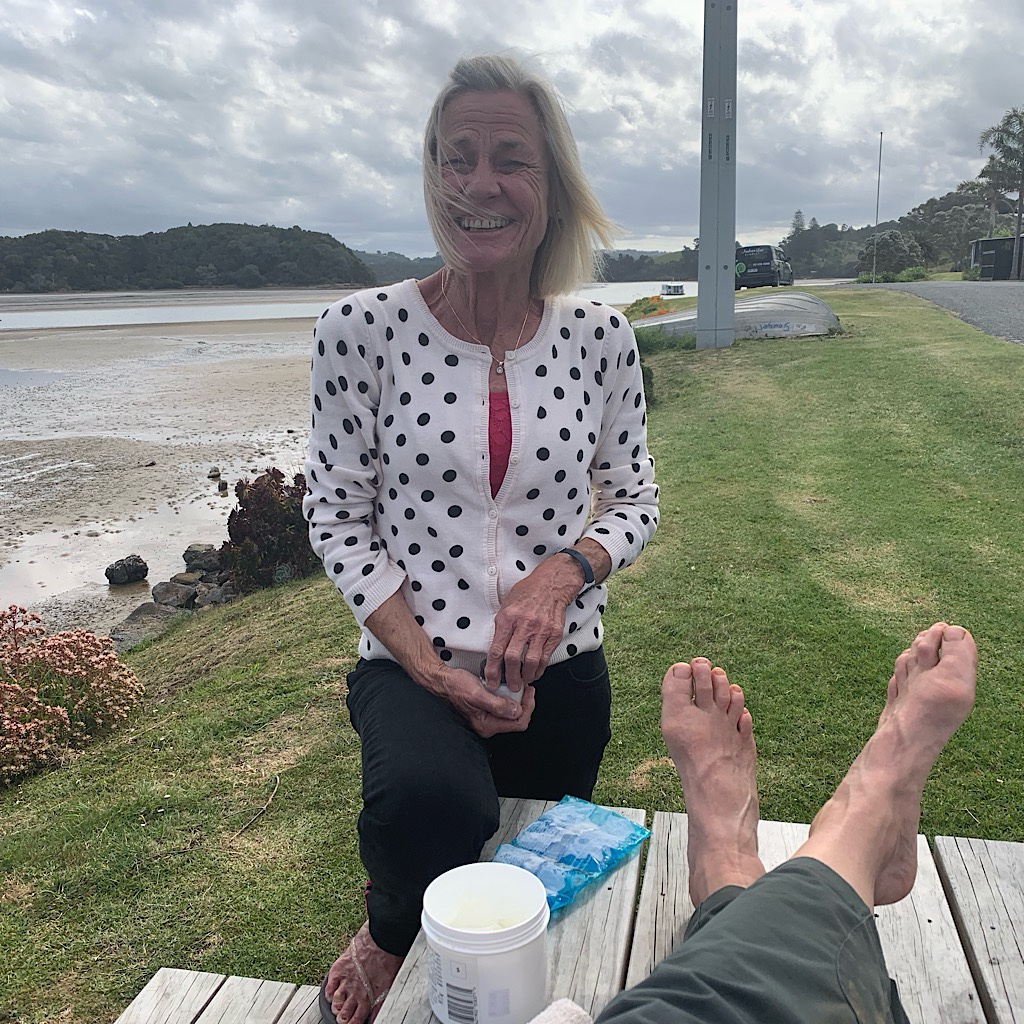Cheryl came out of her house to help me with my injury, bringing ice, arnica and an Ace bandage.