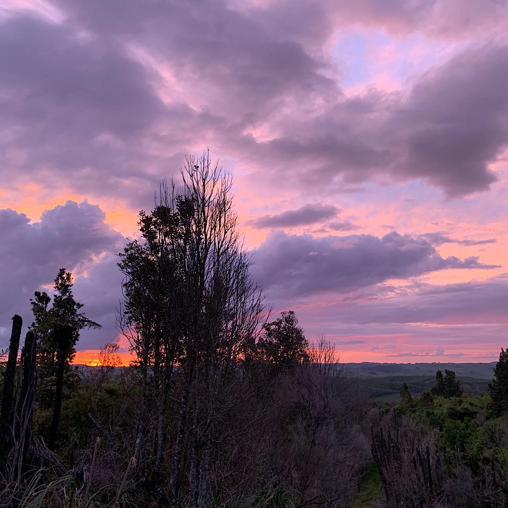 Sunset from the Hakarimatas.