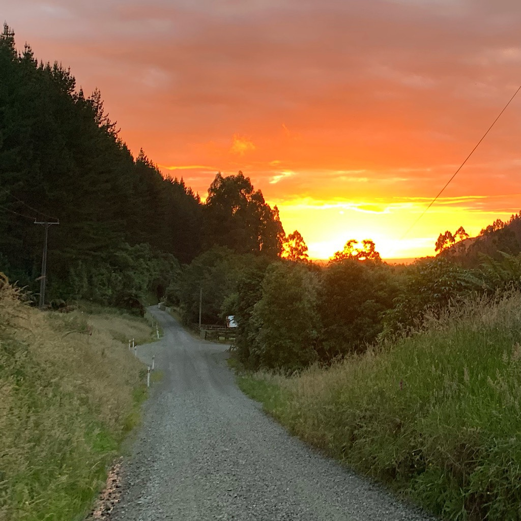 The final bit of road and a brilliant sunset before the Pursuit Centre, all good signs for spectacular weather in the Tararuas.