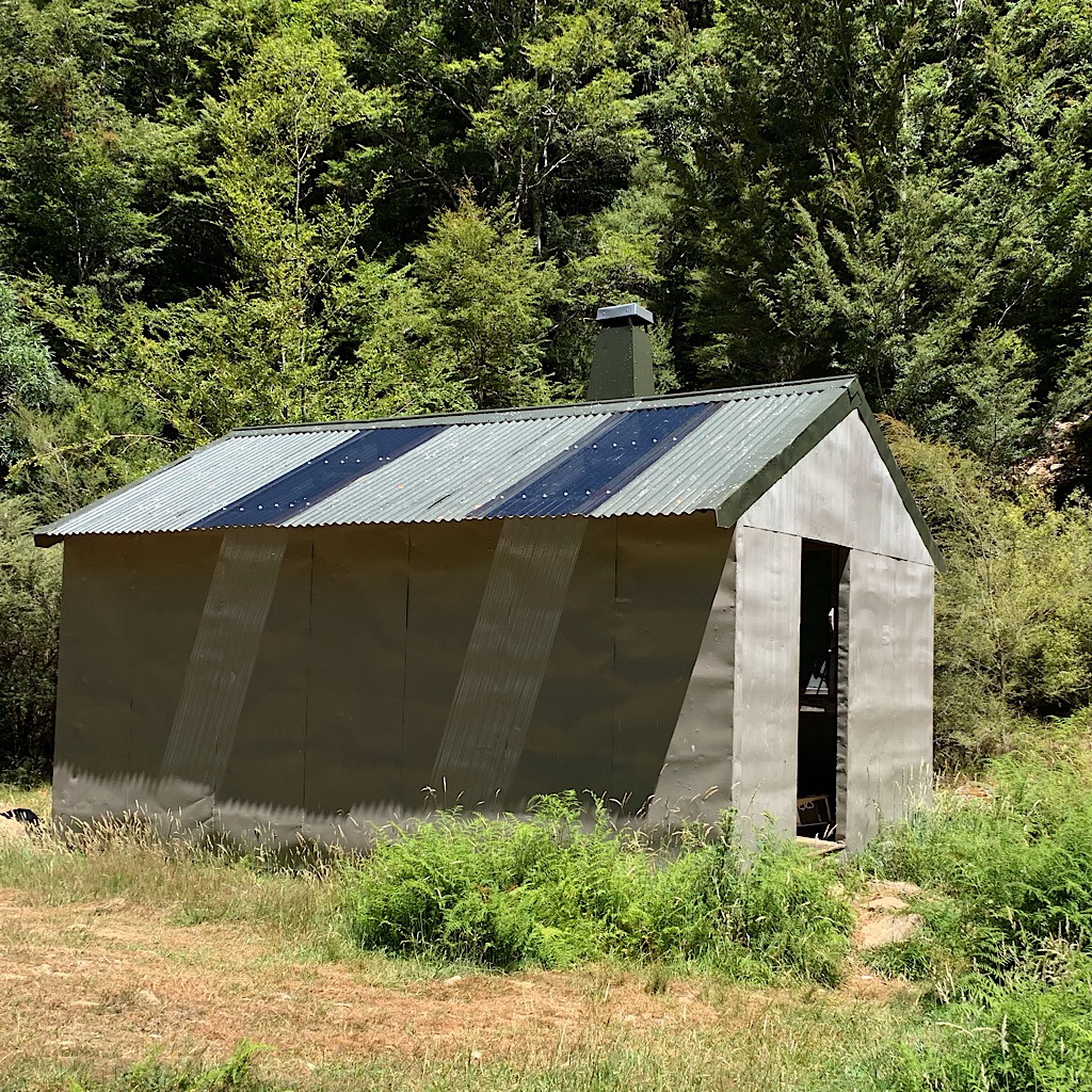 Mid-Wairoa hut was hot and deserted when I arrived at mid-day.