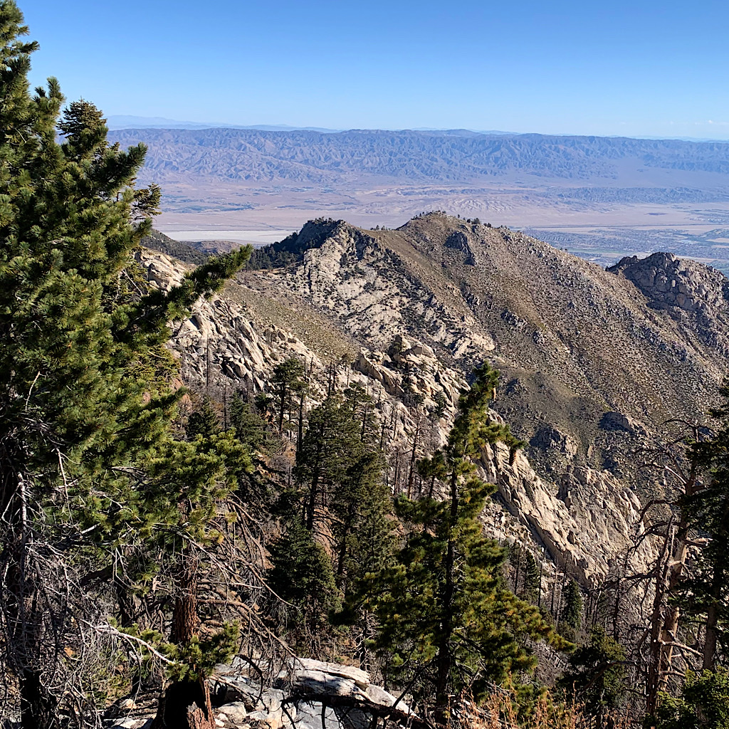 The views from the ridge towards the desert are spectacular.
