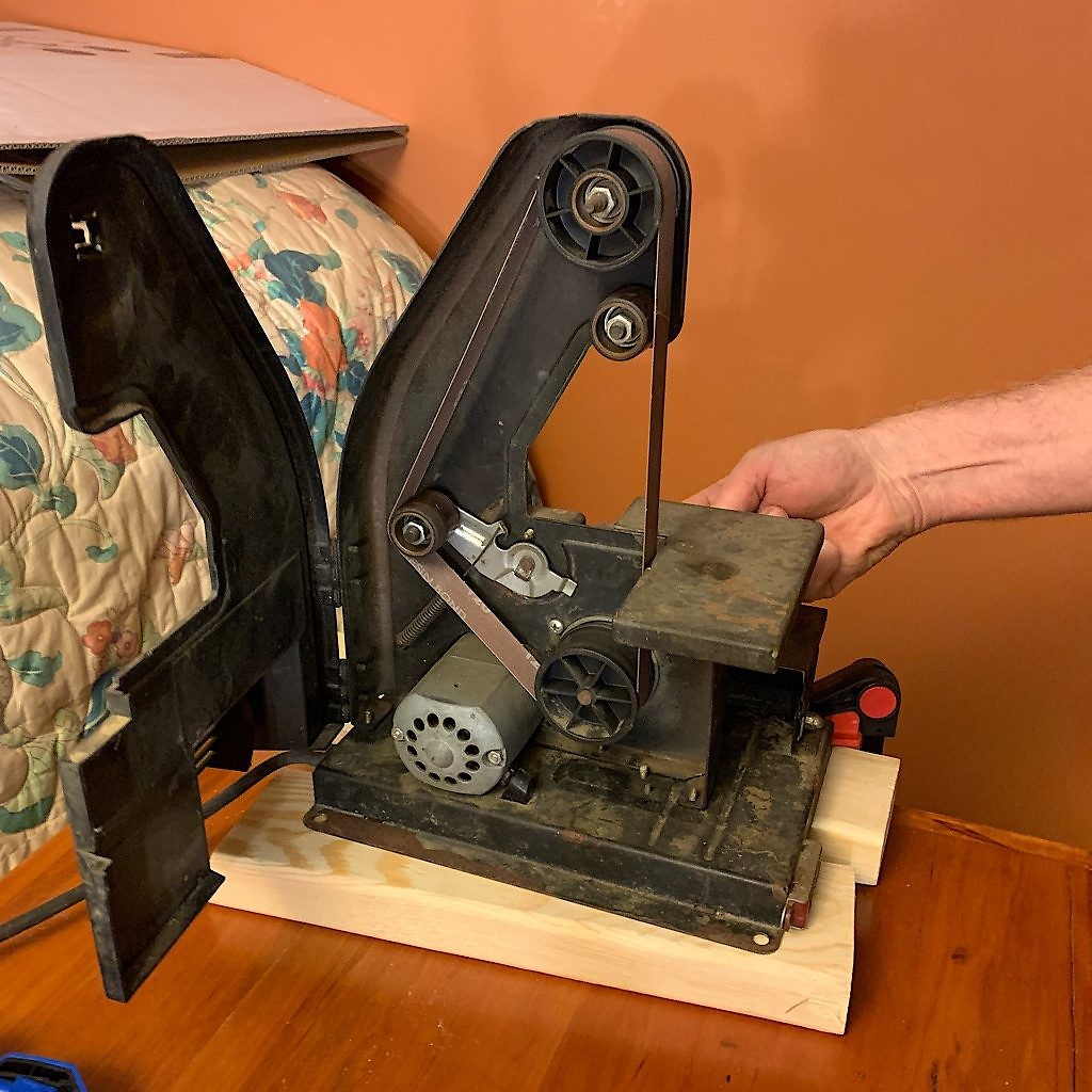 One more odd machine, a belt sander, helped out in the building of the Blisstudio.